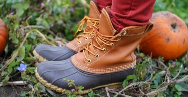 how to tie duck boots