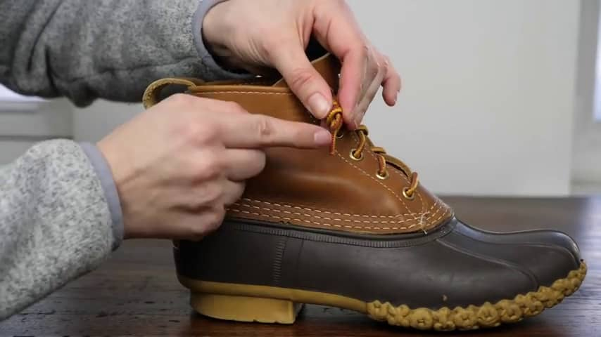 Duck Boots- Adjust the knot