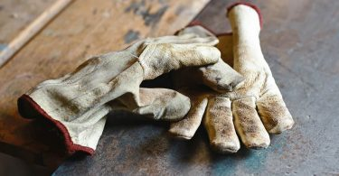 How to Clean Leather Gloves